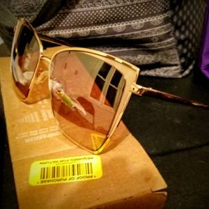 "Diff ""Becky"" Sunglasses"